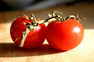 red-tomatoes-1499099-639x426 (1)